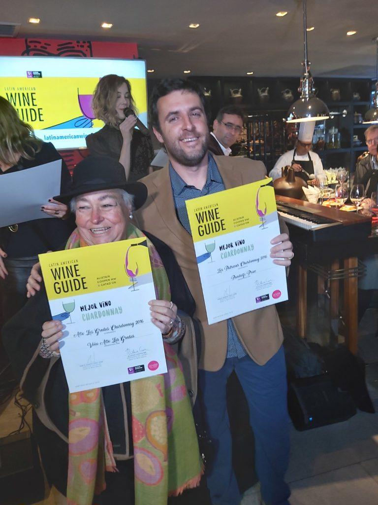 Maria Victoria Petermann y Enzo Pandolfi reciben premios a mejores blancos de la Guía 2019